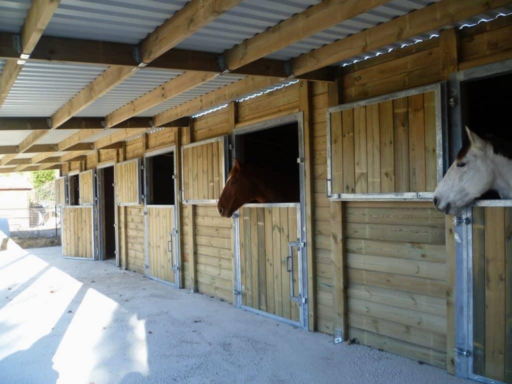 Pension chevaux, domaine équestre de Maruejols